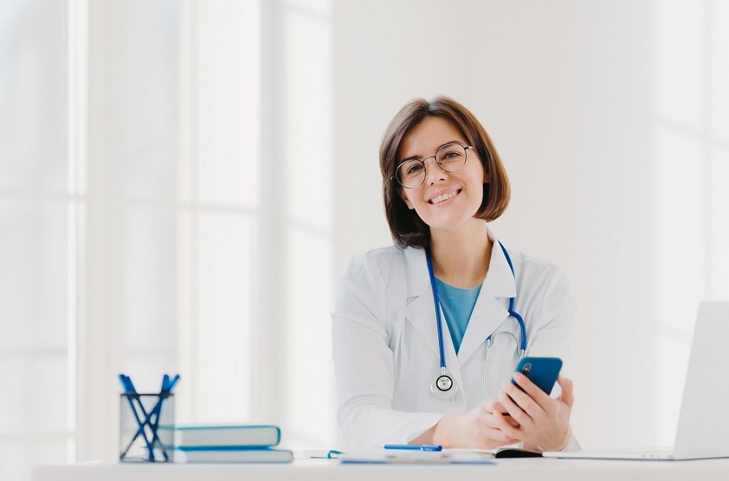 Consultório de clínica geral: as vantagens de trabalhar num consultório particular em zonas rurais em França